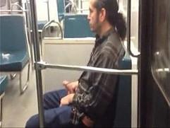 la verga en el metro
